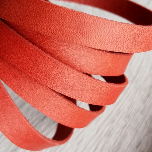 Полоса из натуральной кожи 10.0 х 2.0 мм | Красный